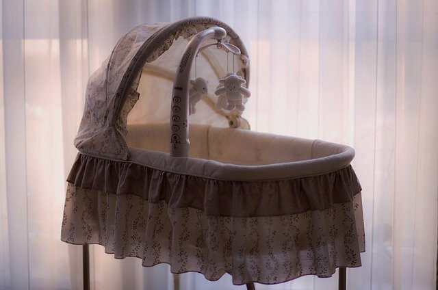 5 Ways to Make a Bassinet More Comfortable for your Newborn-bassinet