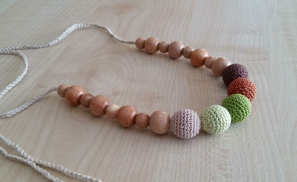 Non-Toxic Teething Necklaces for Mom