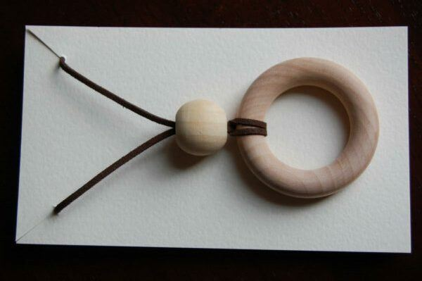 non-toxic teething necklace for mom