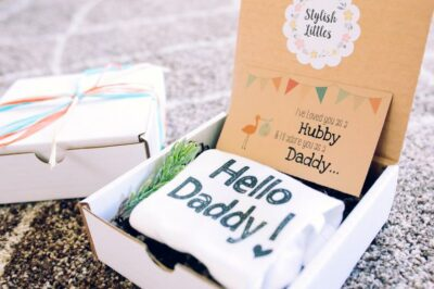 Creative Ways to Announce Pregnancy to Immediate Family- gift box pregnancy announcement to husband