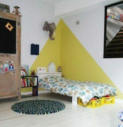 30 Trendy Geometric Wall Painting Ideas for a Boy's Room - greenish yellow geometric triangle wall paint